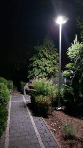 Latarnia w ogródku