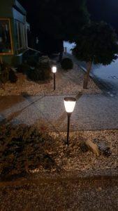 Lampy dekoracyjne w ogródku